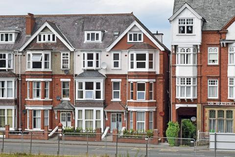 2 bedroom flat to rent - Flat 6 Plasgwyn, Temple Street, Llandrindod Wells LD1
