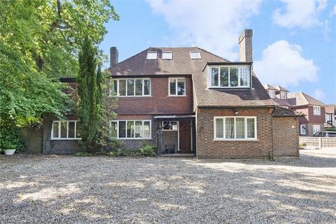 5 bedroom detached house for sale - Charlton Avenue, Hersham, WALTON-ON-THAMES, Surrey