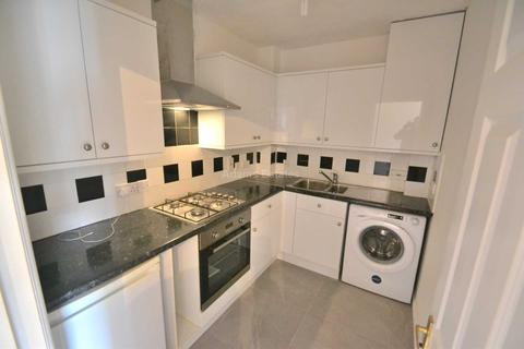 2 bedroom apartment to rent - Thames Court, Norman Place, Reading