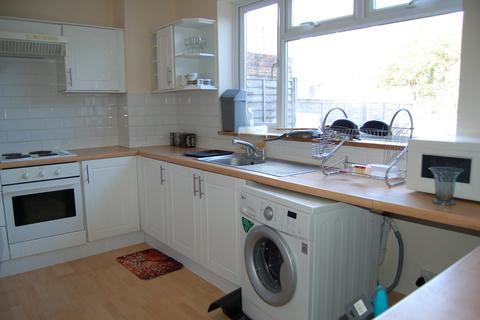 3 bedroom apartment to rent - Warren Way