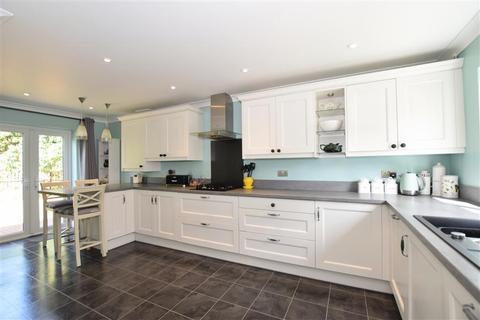 4 bedroom detached house for sale - Millfield, Ashford, Kent