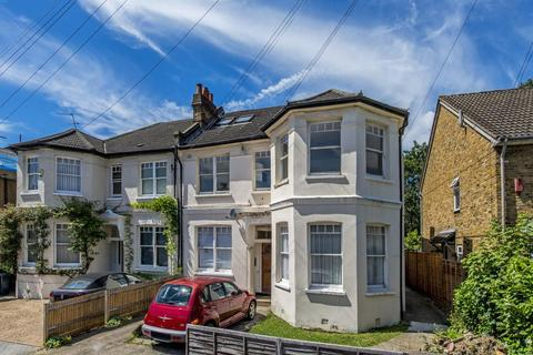 2 bedroom flat to rent - Kinfauns Road, London, SW2