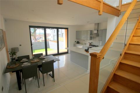 4 bedroom semi-detached house to rent - Luckwell Road, Ashton, Bristol, BS3