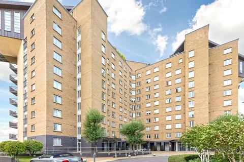 2 bedroom apartment to rent - Pierpoint Building, 16 Westferry Road, E14