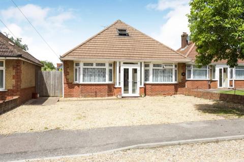 3 bedroom detached bungalow for sale - Gladstone Road, Sholing