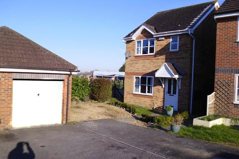 3 bedroom detached house to rent - Park Close, Calne, Wiltshire