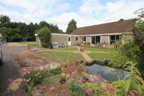 5 bedroom detached house for sale - Pwllmeyric, Chepstow
