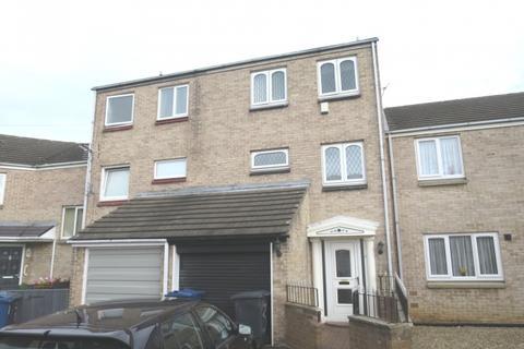 3 bedroom townhouse for sale - Linthorpe Court,  South Shields,  NE34 9BU
