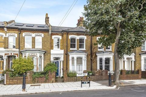 3 bedroom flat for sale - Mervan Road, London SW2