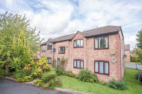 1 bedroom flat for sale - St Philips Drive, Evesham,