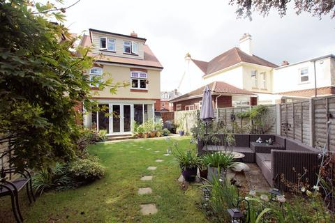 4 bedroom semi-detached house for sale - Elmhurst Road, Gosport