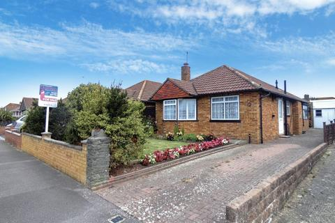 2 bedroom detached bungalow for sale - Moody Road, Hill Head, Fareham