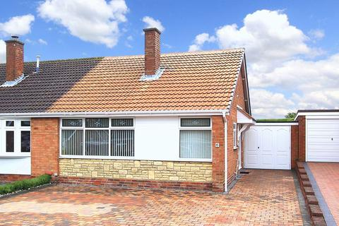 2 bedroom semi-detached bungalow for sale - WOMBOURNE, Balmoral Drive