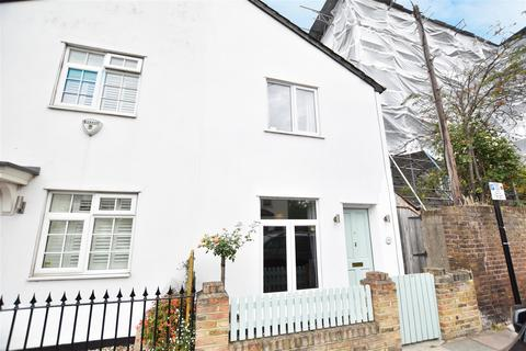 2 bedroom semi-detached house for sale - Linkfield Road, Isleworth Village
