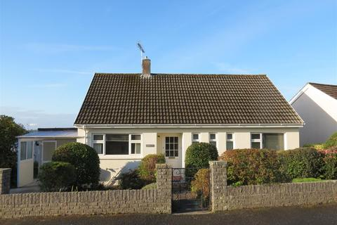 2 bedroom detached bungalow for sale - Morcom Close, St. Austell