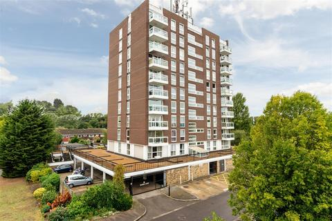 2 bedroom flat for sale - Victoria Avenue, West Molesey