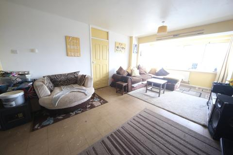 2 bedroom apartment for sale - Common Road, Slough, SL3
