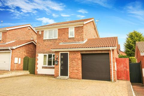 3 bedroom detached house for sale - Bardon Crescent, Holywell, Whitley Bay