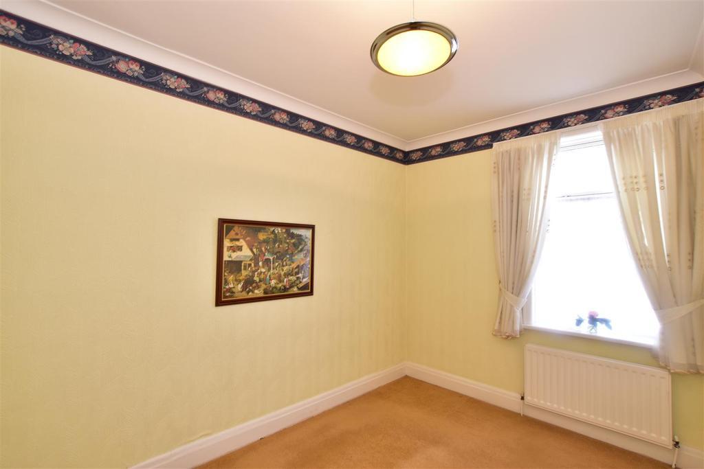 Bedroom 2 (Front Facing)