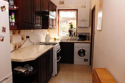 4 bedroom terraced house to rent - Long Drive, Acton, W3 7PJ