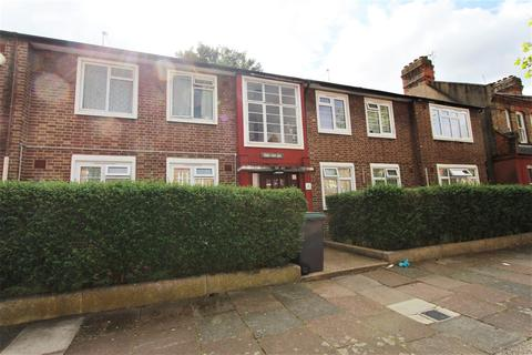 3 bedroom flat for sale - Lymington Ave, Wood Green, N22