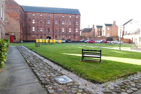 1 bedroom apartment to rent - 6 Pease Court, High Street, Hull, East Riding Of Yorkshire