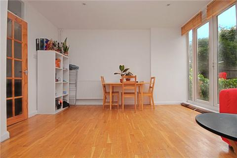 3 bedroom ground floor flat to rent - Fenwick Place, London, SW9