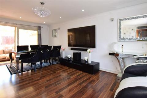 4 bedroom end of terrace house for sale - Howbury Lane, Erith, Kent