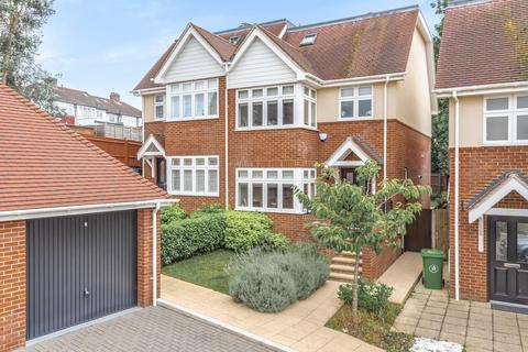 4 bedroom semi-detached house for sale - Milverton Place, Bromley