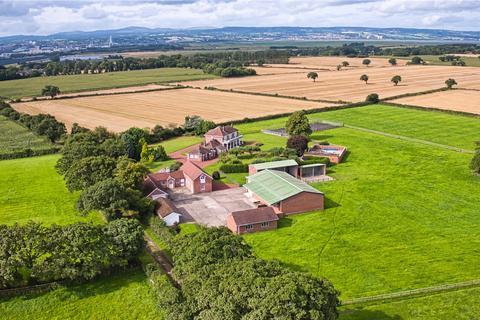 5 bedroom detached house for sale - Puddington Lane, Puddington, Cheshire, CH64