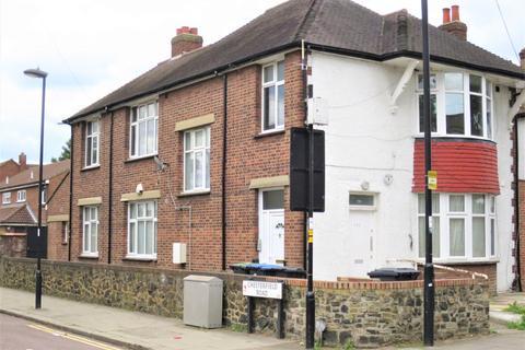 3 bedroom maisonette to rent - Ordnance Road, En3