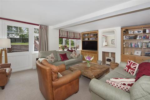 6 bedroom detached house for sale - Elmwood Close, Broadstairs, Kent
