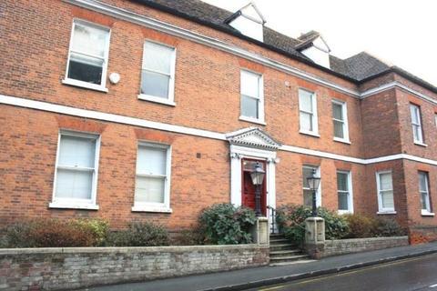 2 bedroom apartment to rent - Halstead