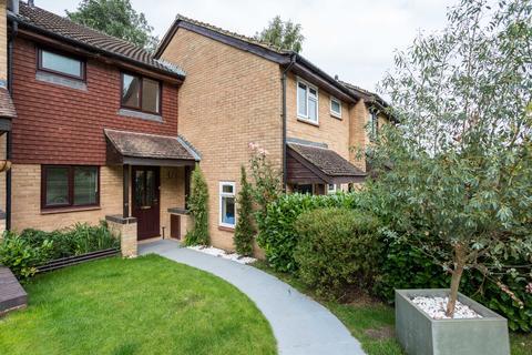 2 bedroom terraced house to rent - Chaldron Road, Crawley RH11