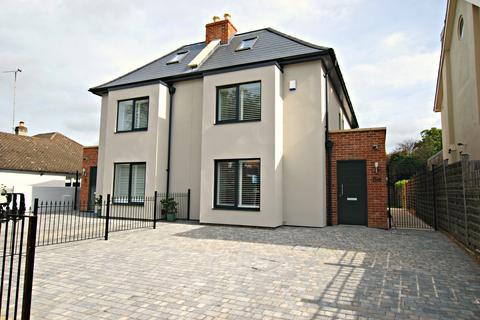 4 bedroom semi-detached house to rent - Sydenham road south, Cheltenham GL52