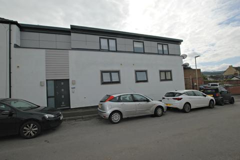 2 bedroom flat to rent - 221 London road, Chetlenham GL52