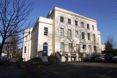 Studio to rent - 54 London Road, cheltenham GL52