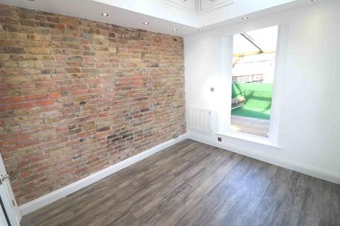 1 bedroom flat to rent - High Street, Penge