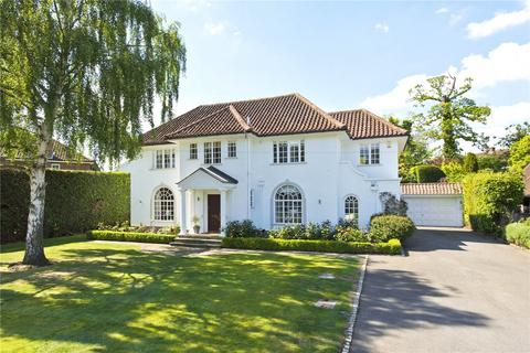 5 bedroom detached house for sale - Esher Place Avenue, Esher, Surrey, KT10