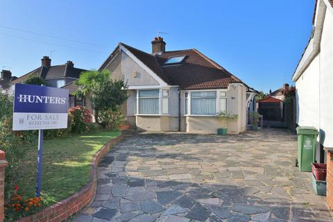 4 bedroom semi-detached bungalow for sale - Belmont Road, Northumberland Heath, Kent, DA8 1LE
