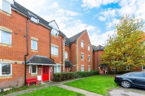 2 bedroom flat for sale - Campion Close, Rush Green, Romford