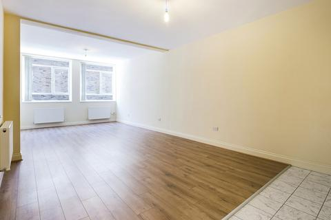 1 bedroom apartment to rent - The Pavement, Crawley