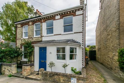 2 bedroom semi-detached house for sale - Priory Road, Cambridge