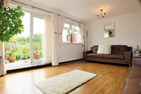 3 bedroom detached house for sale - Sunnybank Court, West Cross, Swansea SA3