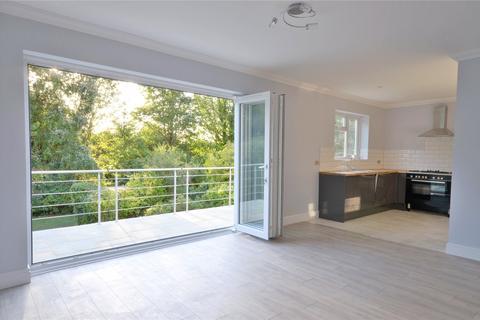 4 bedroom detached house for sale - Coulsdon, Surrey, CR5