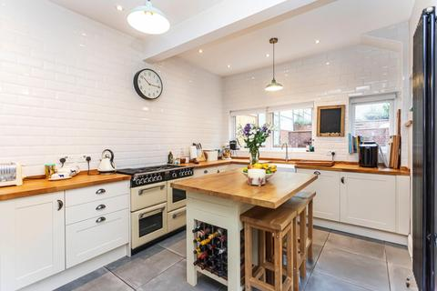 4 bedroom semi-detached house to rent - Alexandra Road, Lower Parkstone, Poole, BH14