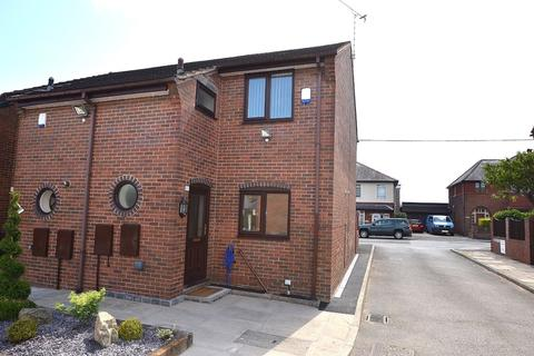 2 bedroom semi-detached house to rent - Orchard Close, Buckley