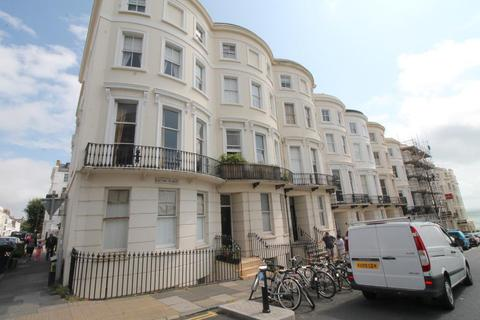 Studio to rent - Eaton Place, Brighton, East Sussex, BN2 1EH