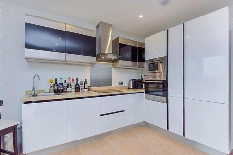 2 bedroom flat to rent - High Street, Cheam, London, SM2 7PU