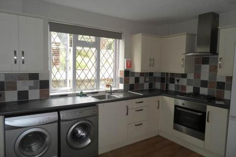 3 bedroom semi-detached house to rent - Bowerdean Road, High Wycombe, Bucks